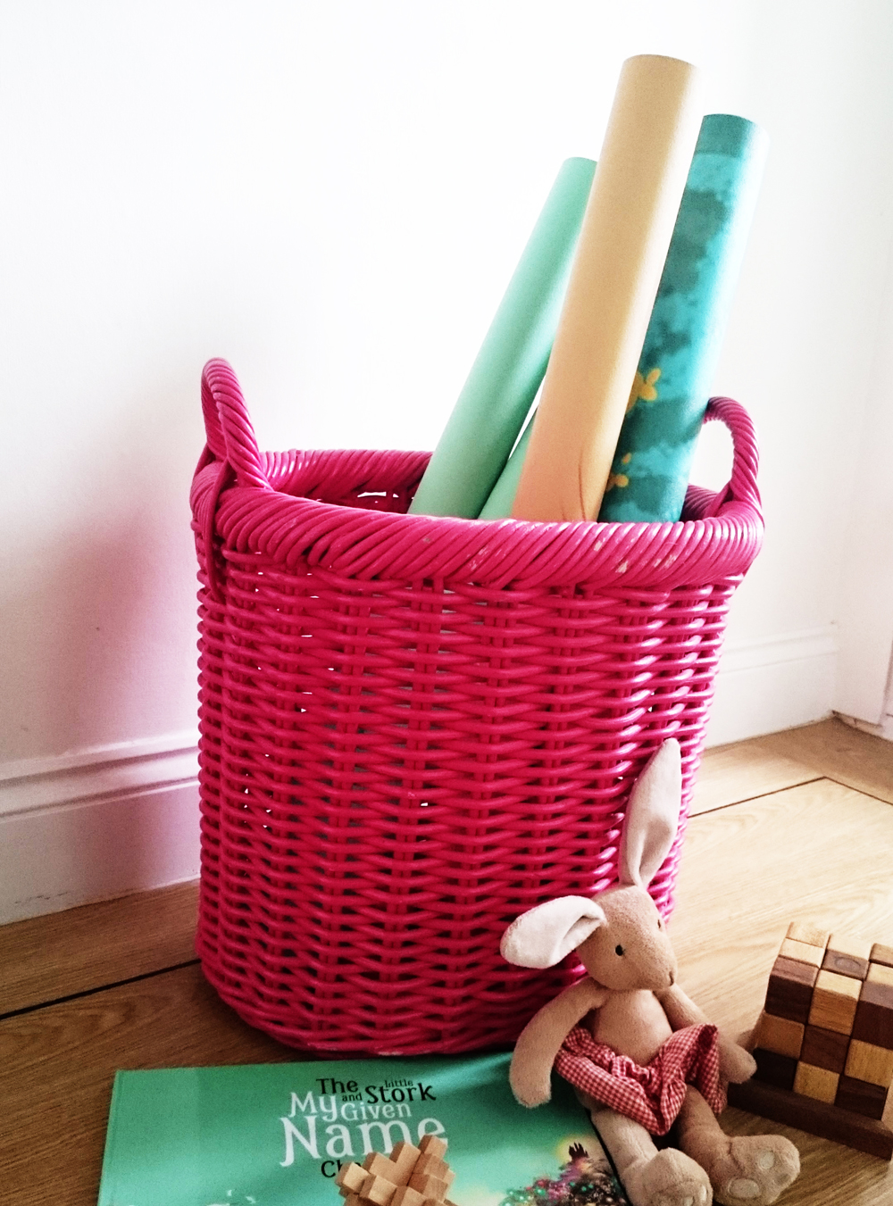 Baby Wallpaper mural basket